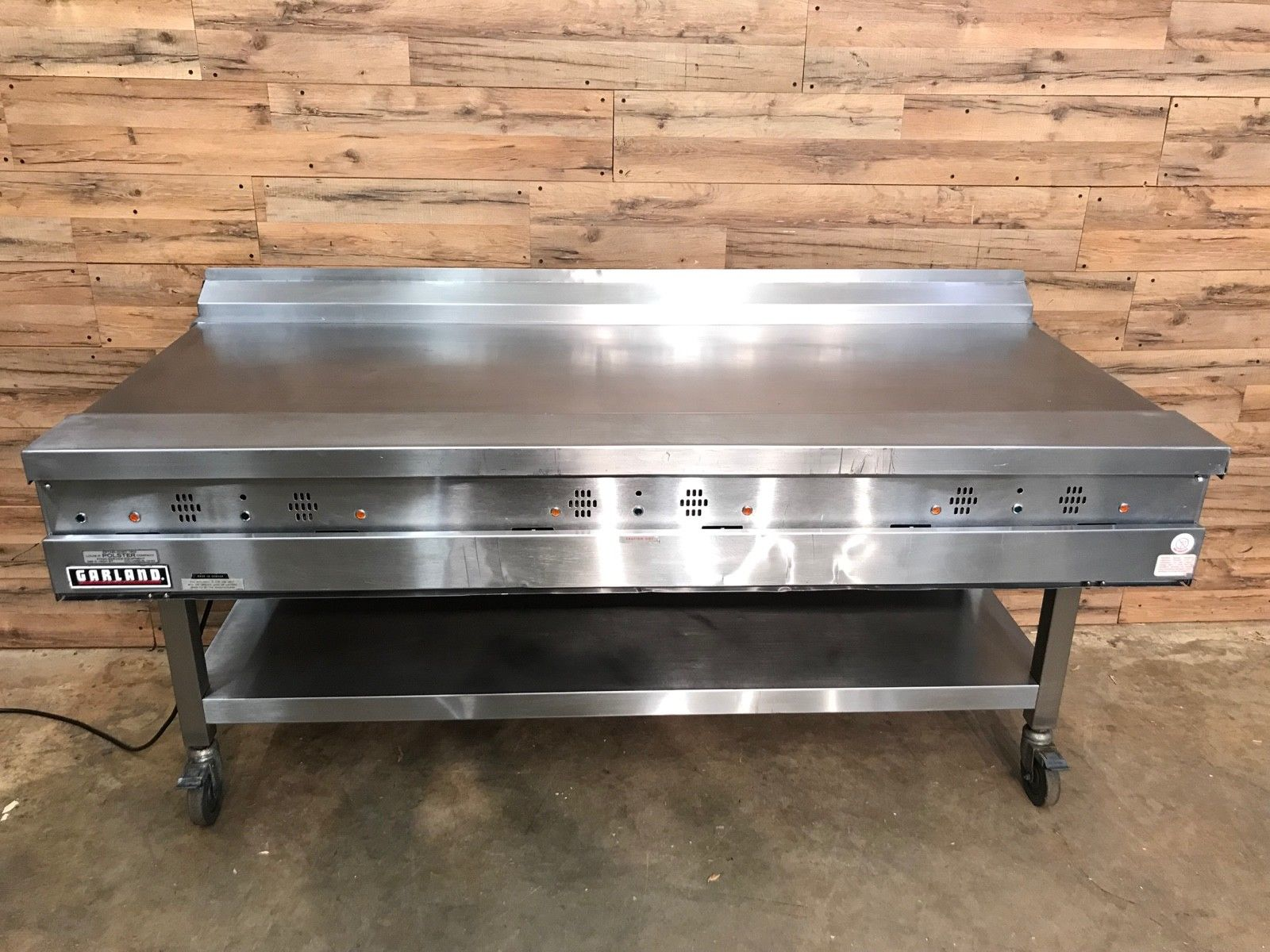 """Garland Grill Natural Gas Thermostatic Griddle 72"""""""
