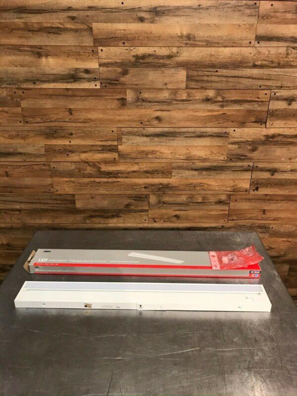 "30"" Juno Pro-Series SoftTask LED Undercabinet Light"