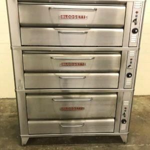 Blodgett 961 Compact Triple Deck Pizza Oven