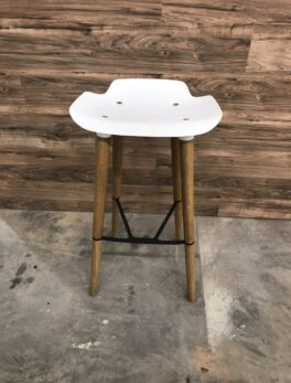 Pilot Kitchen Stool By Quinze & Milan