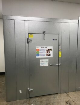 2019 Master-Bilt Walk-In cooler with lighting and Self contained top mount unit