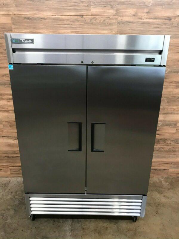 True T-49-HC 2-Section Reach-In Refrigerator