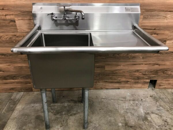 Advance Tabco Commercial Single Compartment Sink w/ Right Drainboard & Soap Dish