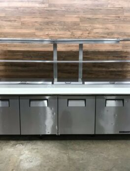 True 4 Door Refrigerated Pizza Prep Table with 2 Overshelves