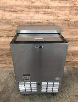 """2012 Perlick FR24 24"""" Glass Froster with Stainless Steel Slide Top"""